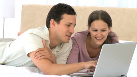 Why is the online market gold for families