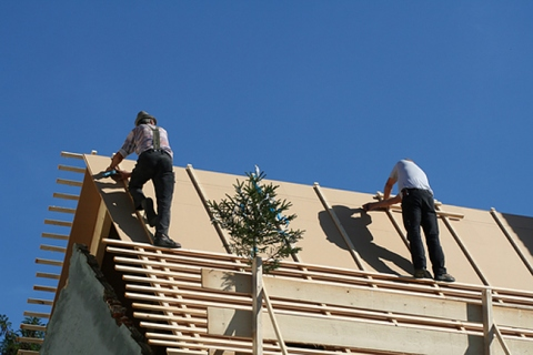 Do you need to replace the roof - hire a reliable company